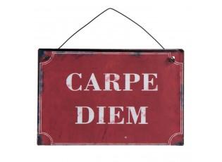 Závěsná červená kovová cedulka Carpe Diem - 13*9 cm
