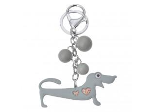 Přívěsek na klíče šedý jezevčík se srdíčky