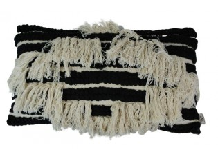 Černo-krémový boho polštář s třásněmi  - 30*50cm