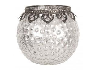 Krásný skleněný stříbrný svícen na čajovou svíčku s kovovým zdobením, vytvoří příjemnou atmosféru po náročném dni.