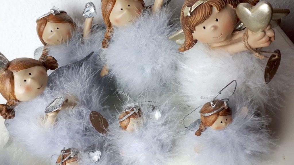 Andělé s peříčky