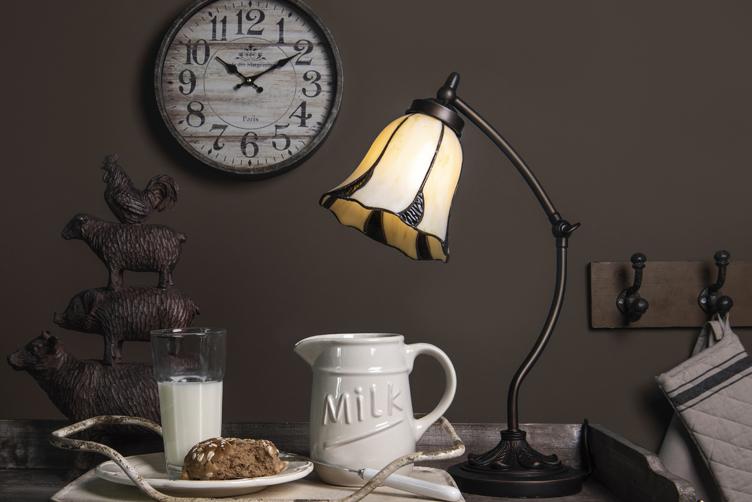 Tiffany lampa ve tvaru labutě, krokodýla, majáku nebo růže
